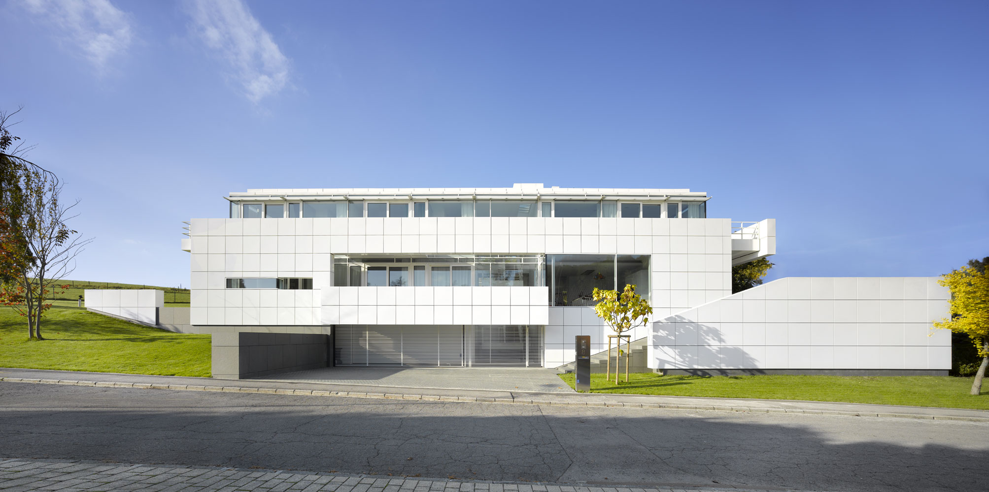 Roland halbe architectural photography for Luxembourg homes