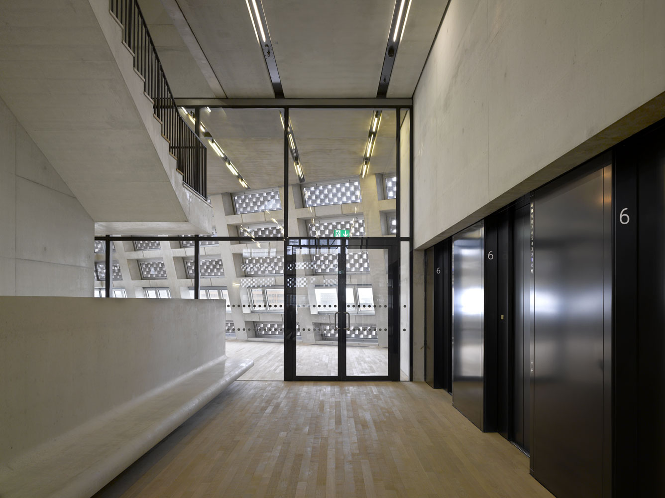 Roland halbe architectural photography for Switch house tate modern architecture